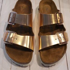 Birkenstock sz 39 metallic rose gold sandals